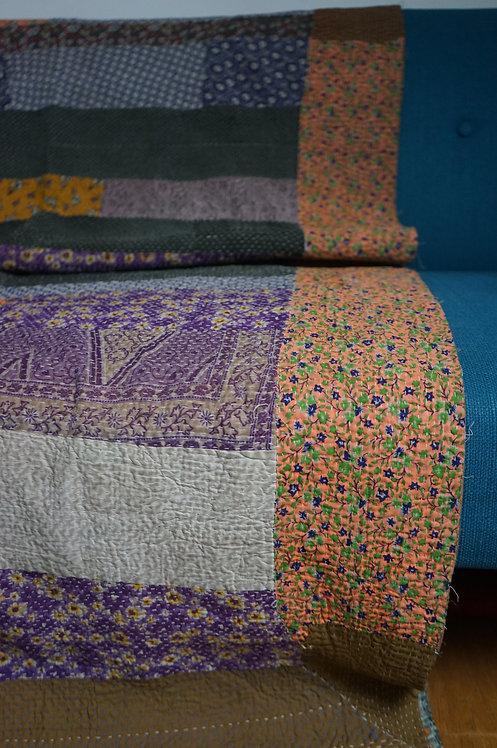 couvre lit vintage/boutique vintage/plaid vintage/tissu Figeac/Heal's/Frette/Indian fabrics/Sensitive/Monde Sauvage plaid