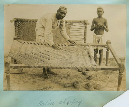 Anciennes photo de la fabrication du charpoy indien.