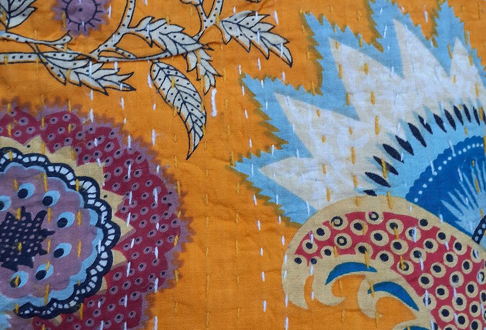 Couvre lit (bedcover) motif japonisant fleurs jaune orange