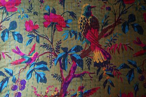 Bedspreads/Heal's fabrics/Jamini coussins/tissus oiseaux/paris/London/Figeac/Cahors/oiseaux/printemps/shop/cushions/déco