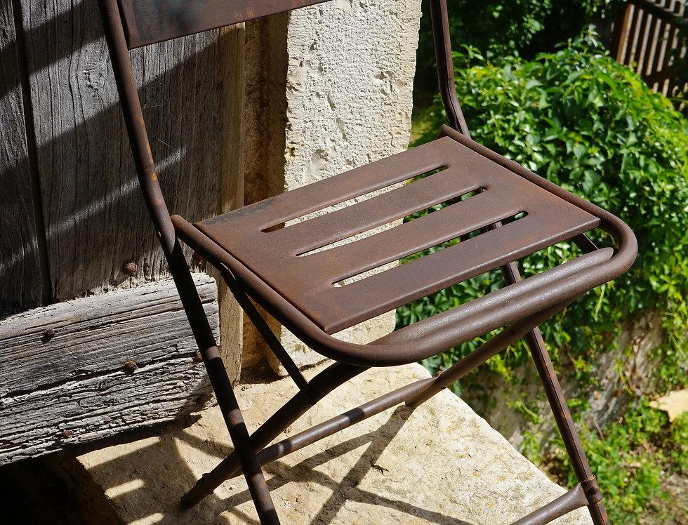 brocante-Figeac/meubles/chaises-métal-indus/industriel/indiens/vitrine/Paris/sentou/chatou/bon-coin/clignancourt/Cahors/Lot