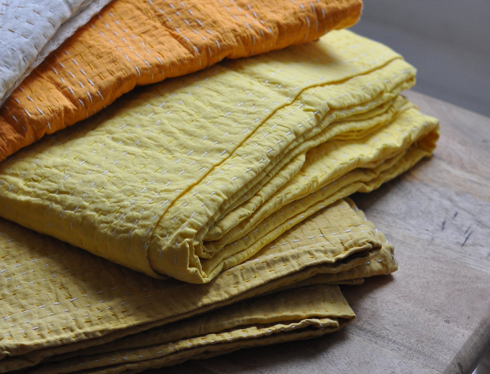couvre lit courtepointe/couvre lit inde jaune/couvre lit inde/couvre lit indien/indian quilt plain color/india quilt/bedcover