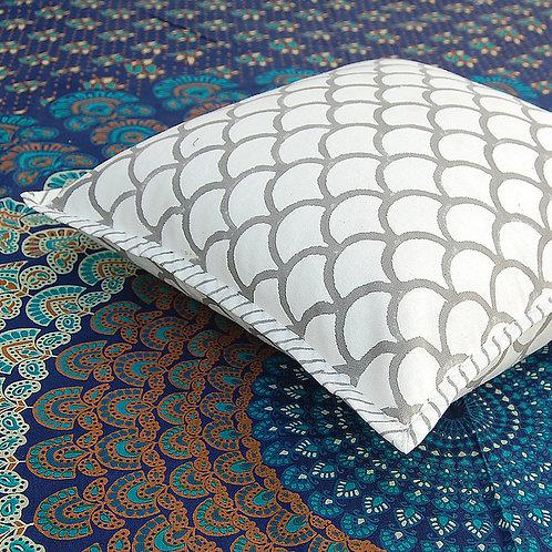 coussin gris blanc Square Canvas Sofa/Bed Cushion Covers Pillow la maison générale boutique Merci Paris linge de maison