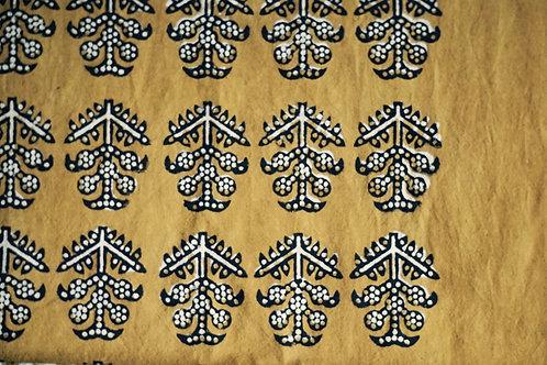 coussin ocre/coussin noir et blanc/coussin handblock/coussin tissu indien/meubles indiens/charpoy/lit indien/matelas charpoy