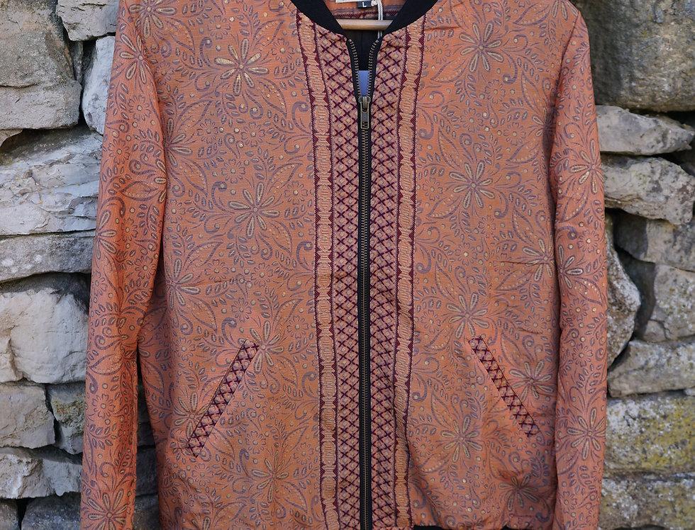 Bomber en soie/blouson d'été/bomber tissu indien/mode Figeac/mode Cahors/boutique vêtement cahors/boutique vêtement figeac/
