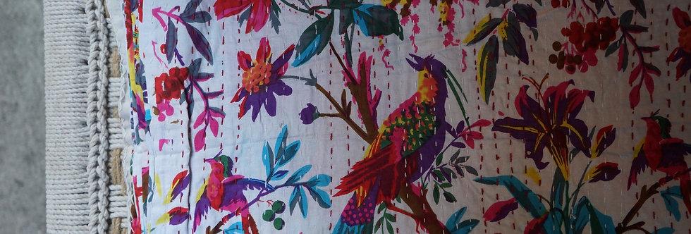Bedspreads/Heal's fabrics/Jamini coussins/tissus/plaid/Paris/London/Figeac/Cahors/oiseaux/printemps/shop/cushions/déco