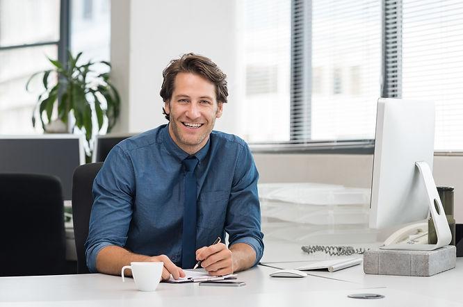 Businessman smiling, Preliminärskatt, Tempura