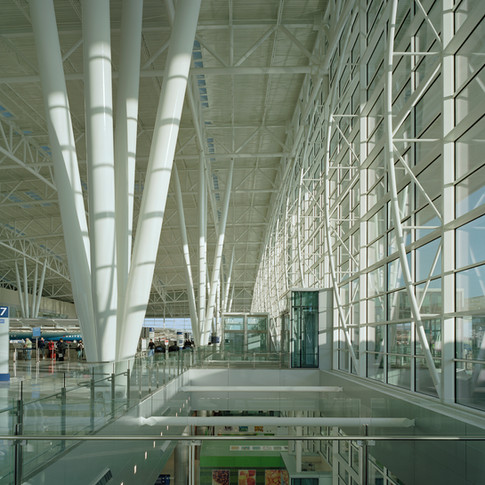 Indianapolis International Airport_Colon