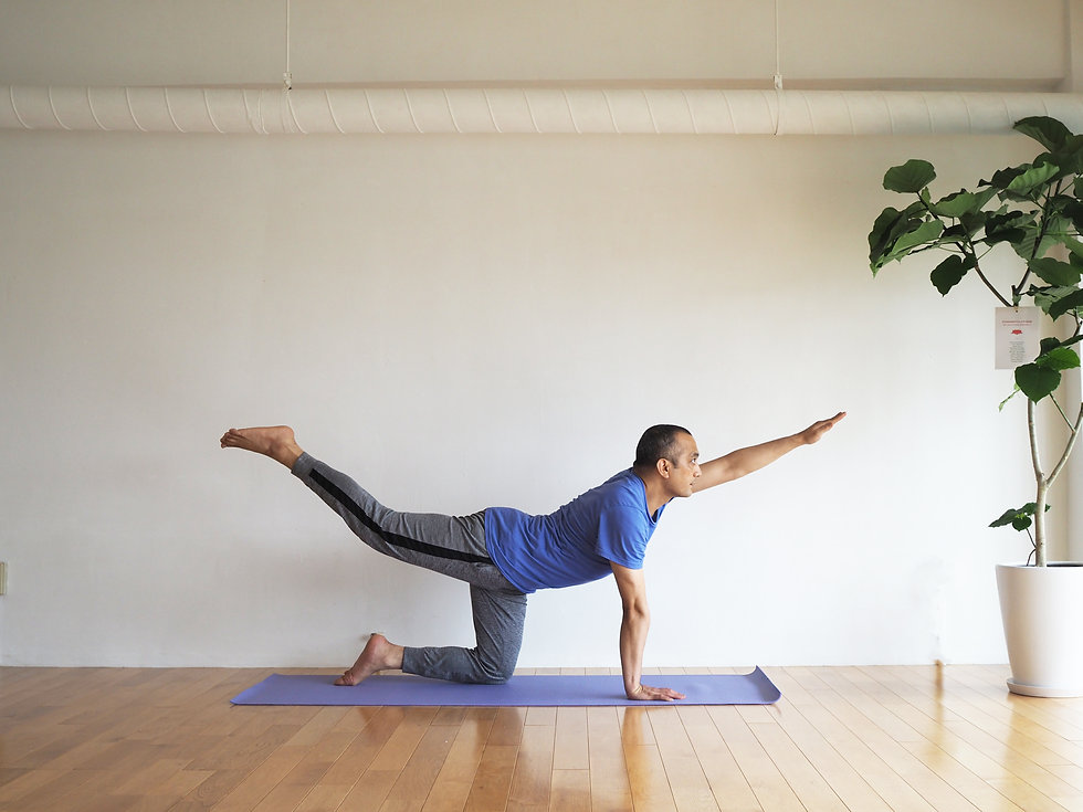 home_yoga_03.jpg