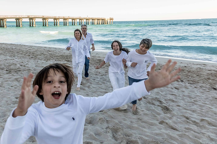 Alex Vainstein Photography in Boston and Miami family portraits at the beach