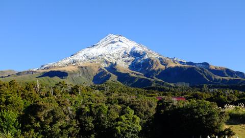 000_Mt_Taranaki.jpg