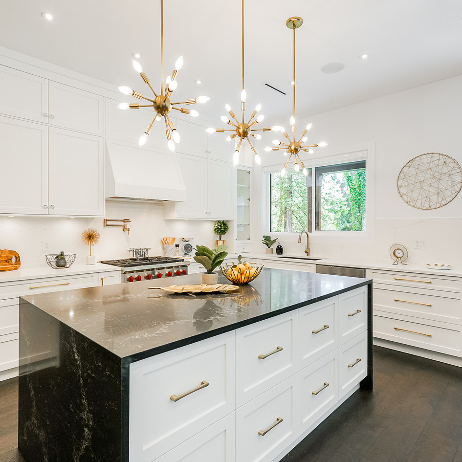 Black and Gold Kitchen