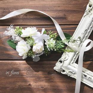 Bridal hair flowers.jpg