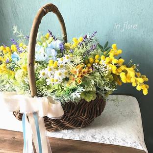 Happy wedding!!_Mimosa basket bouquet.jp