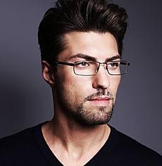 Мужские оправы - фото мужчины в очках