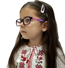 Детские оправы - фото девочки в очках