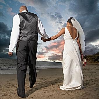 A tropical Caribbean Destination Wedding couple on the beach