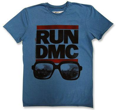 Run-D.M.C.(ランDMC)CAZAL眼鏡Tシャツ【Amplified】(アンプリファイド)