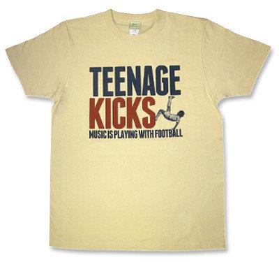 フットボール&ミュージックモチーフ「オーバーヘッドキック」Tシャツ「TEENAGE KICKS」