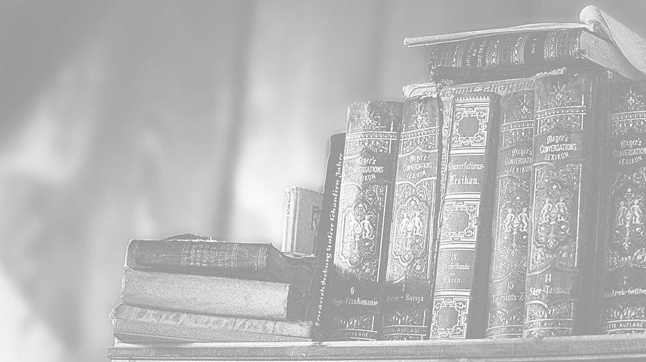library-3115371_1920_edited.jpg