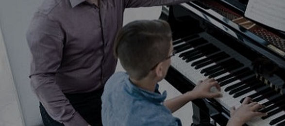 PianoTeacher1_edited_edited_edited.jpg