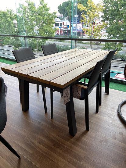 Conjunto mesa de terraza y 4 sillas en Rebajas