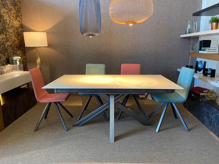 Conjunto mesa extensible Dekton y 4 sillas Crevin en Rebajas