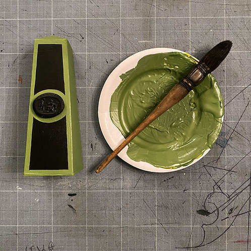 Petit obélisque vert mousse   Little Moss Green Obelisk