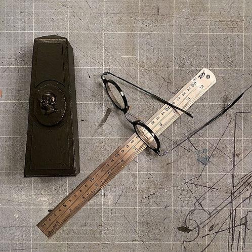 Petit obélisque noir tableau   Little Board Black Obelisk