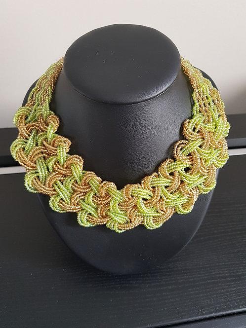 Collier de perles vertes pomme et jaunes tissé et tressé
