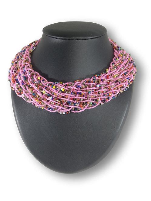 Collier de perles roses et multicolores tissé