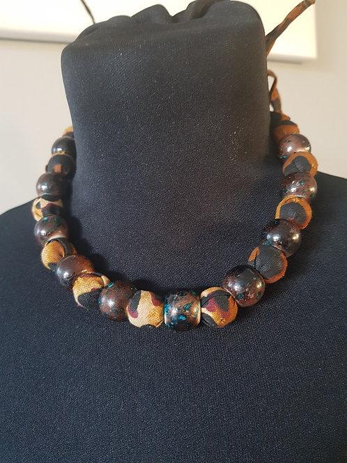 Collier de Perles en bois et Wax