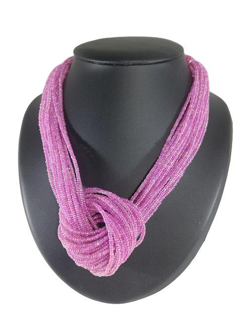 Collier de perles roses à nœud