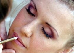 photo-maquillage-de-la-mariee[1].jpg