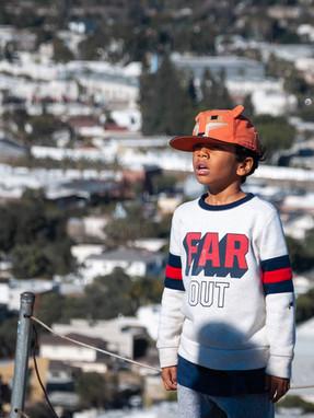 kid staring in awe // culver city steps
