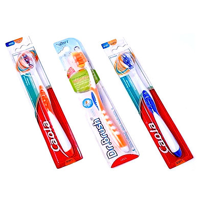 Зубна щітка з очищувачем