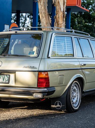Mercedes-Benz W123 Wagon