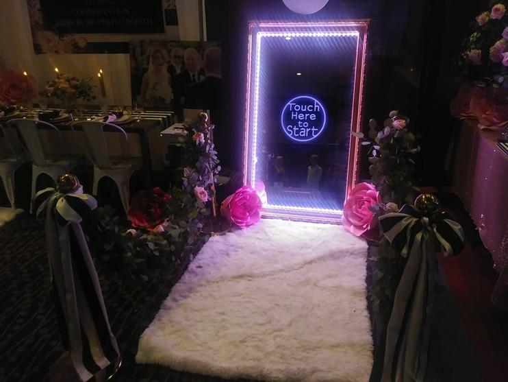 white rug mirror
