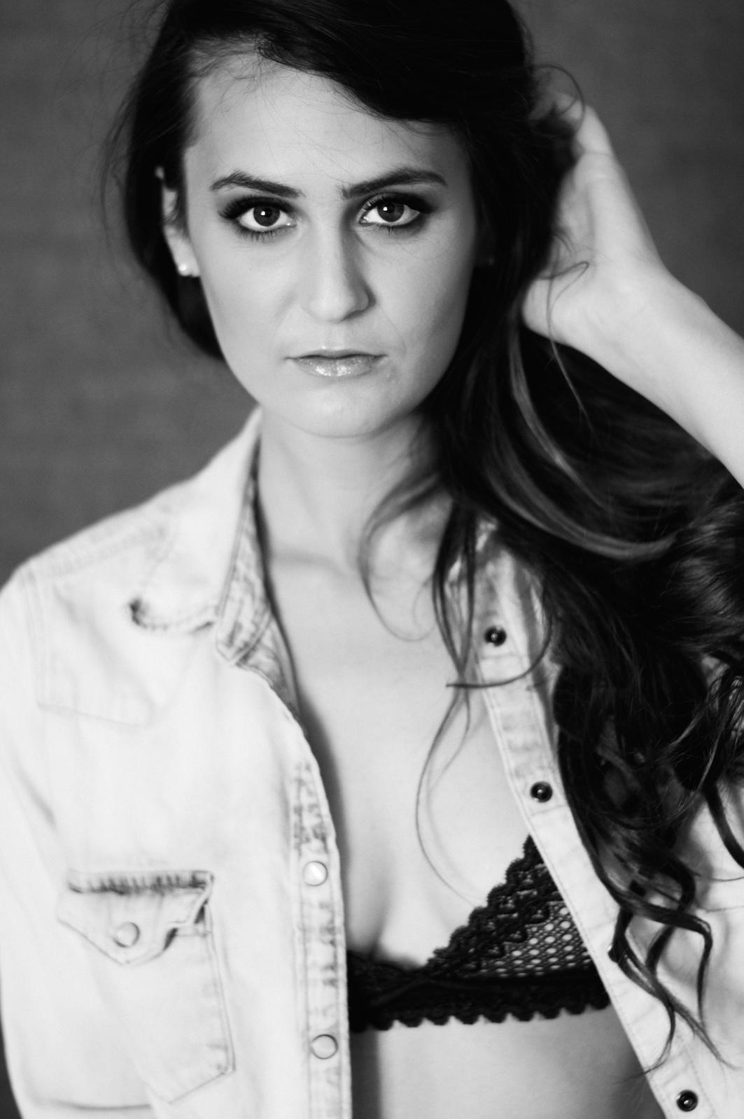 Shauna Richardson BW Headshots 1