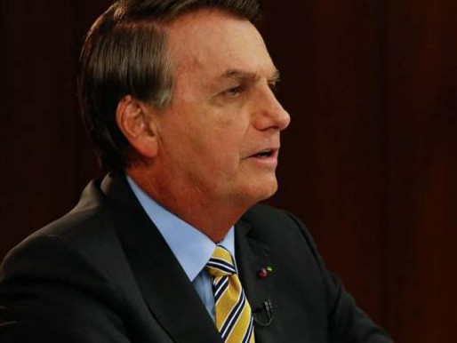 Bolsonaro é internado em Brasília