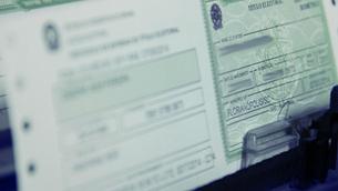 Baianos com títulos cancelados podem regularizar situação pela internet; confira