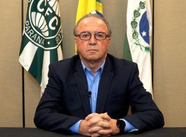 Internado com Covid-19, presidente do Coritiba tem piora e médicos instalam 'pulmão artificial'