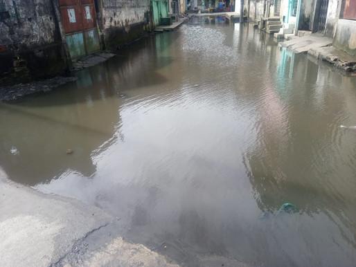Salvador: Moradores do Nilo Peçanha sofrem com ''piscinão de esgoto'' (vídeo)
