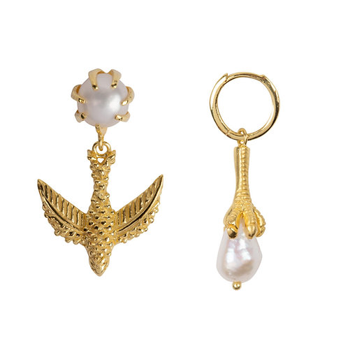 Betty Bogaers - Bird And Claw Pearl Earring Gold Plated