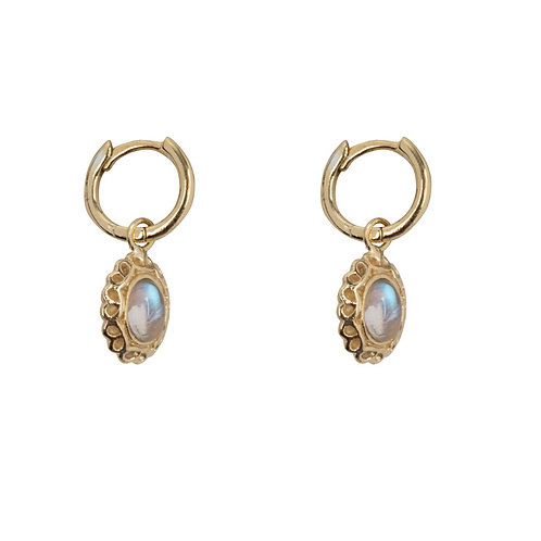 Betty Bogaers - Antique Moonstone Small Hoops Earring Gold Plated