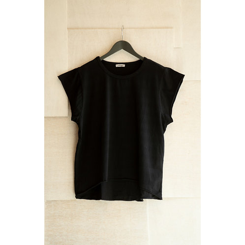 Lynn Black T shirt -COL