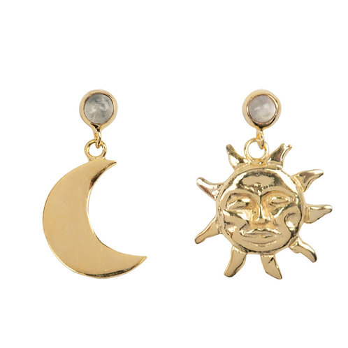 Betty Bogaers - Sun and Moon Moonstone Stud Earring Gold Plated