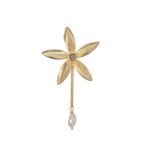 Betty Bogaers - Lily Flower Stud and Pearl Chain Earring Gold Plated (SINGLE)
