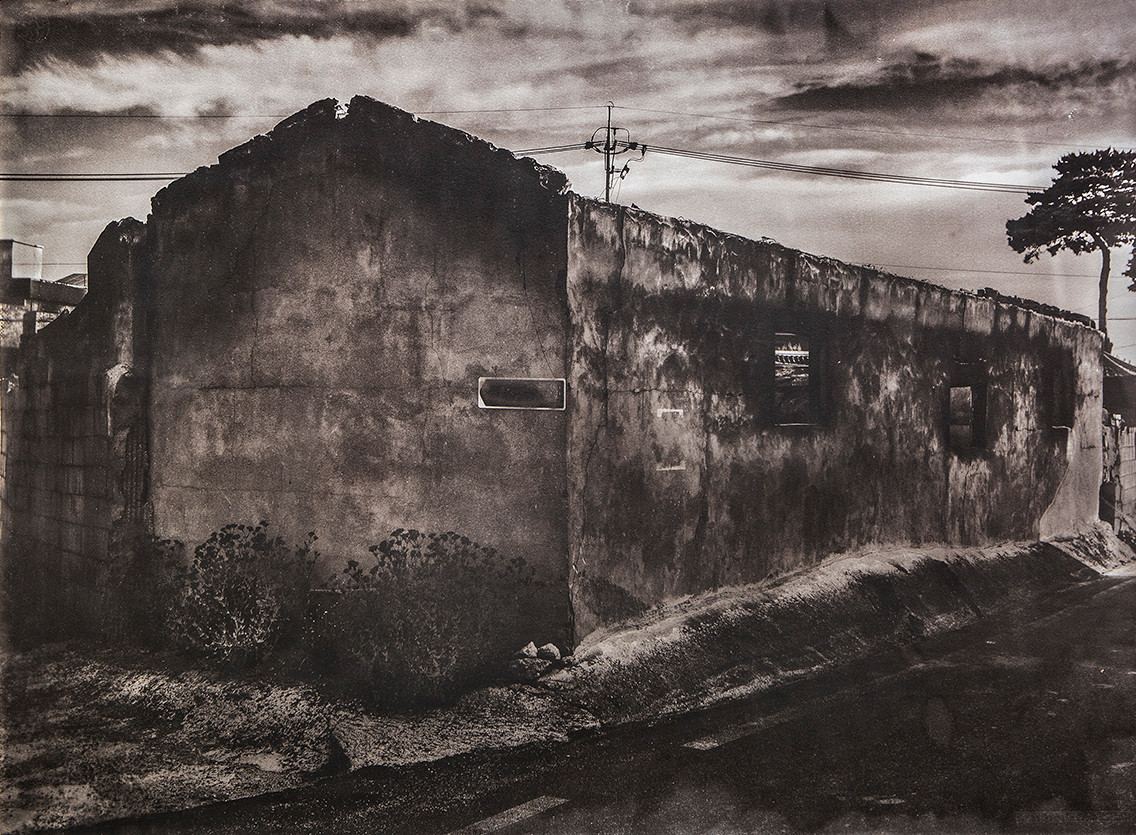 Black House#01_78X106cm_Van Dyke Brown P