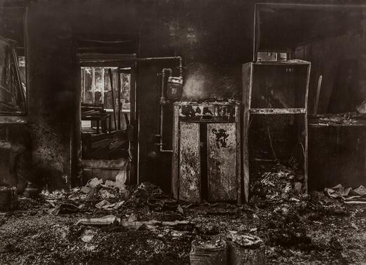 Black House#09_78X106cm_Van Dyke Brown P